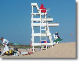 Main_Beach_Lifeguards_2.jpg